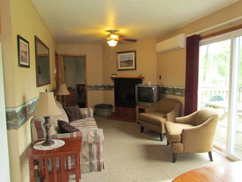 Pine Vista Resort Algoma accommodation living room